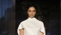 Deepika Padukone on ramp Wills India Fashion Week