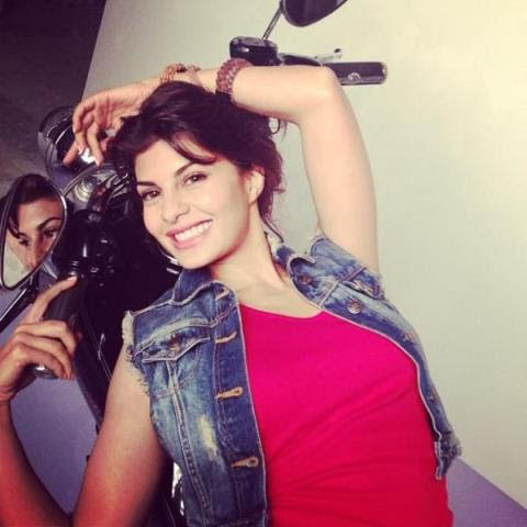 Jacqueline Fernandez Instagram and Twitter Pics 26 Pictures