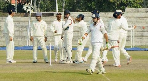 Gautam Gambhir & Manoj Tiwary fight in Ranji Match Video